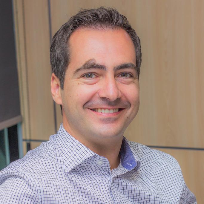 http://www.clinicadentalsimon.com/wp-content/uploads/2015/12/Testimonio-CarlosHerrero.jpg