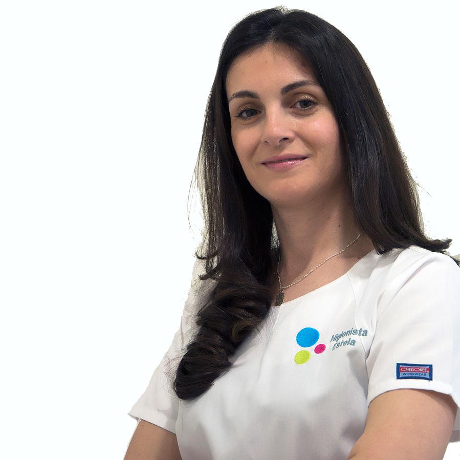 https://www.clinicadentalsimon.com/wp-content/uploads/2017/04/Estela-Munoz-Perfil.jpg