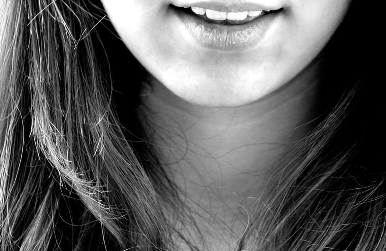 Adulto-y-con-dientes-de-leche-Un-cas-o-más-habitual-de-lo-que-pensamos.jpg