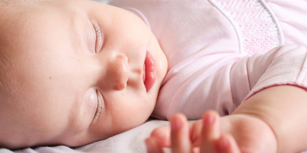 Las caries en los dientes de leche pueden afectar a los definitivos