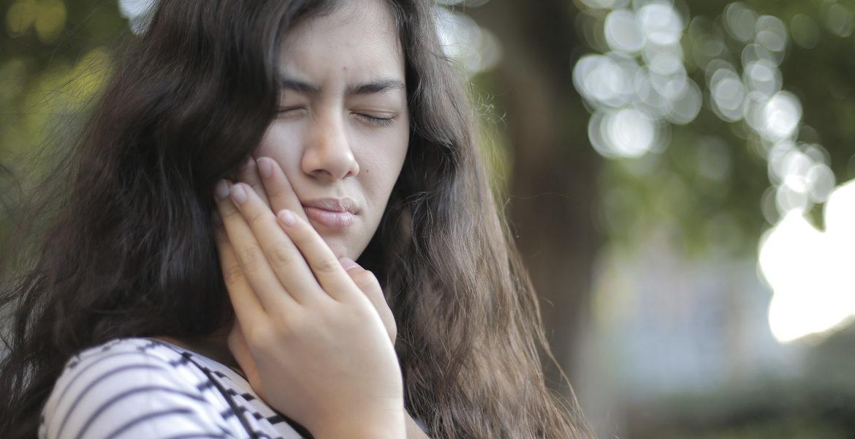 La sensibilidad dental y los problemas de encías afectan al 40% de la población española