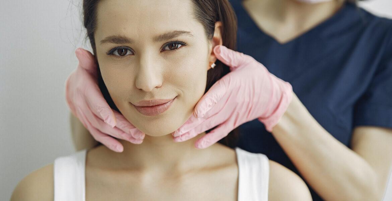 Tus dolores de espalda y cuello pueden proceder de tus dientes