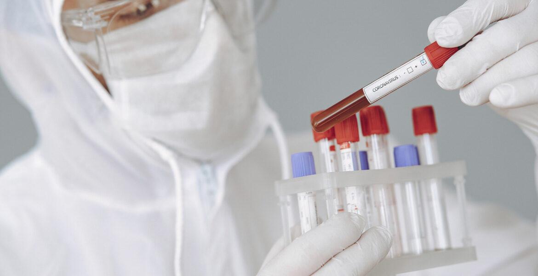 La enfermedad de las encías incrementa el riesgo de complicaciones por coronavirus